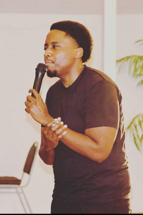 Photo of Jamal Russel, Comedia